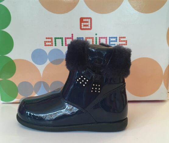 Andanine navy patent leather ankle boot with fur trim