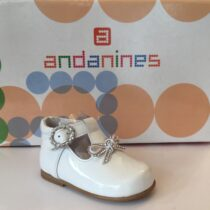Andanine white patent leather shoe