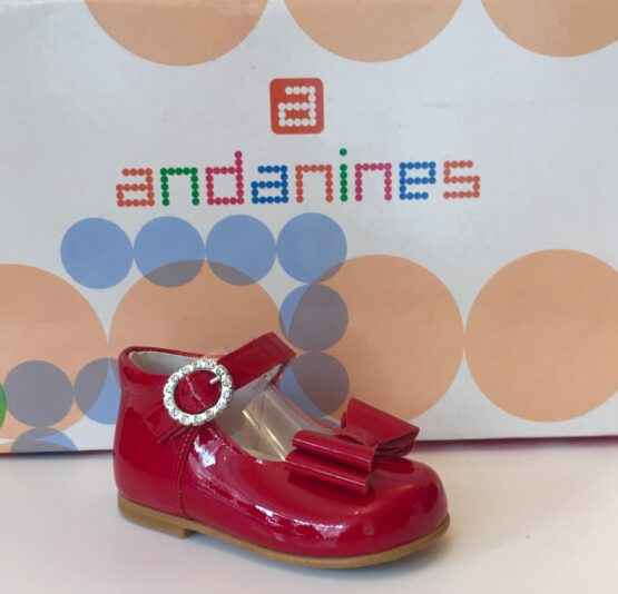 Andanine red patent leather shoe with bow